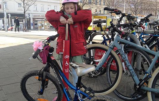 Fahrrad Luftpumpe - Luft in Fahrradreifen pumpen